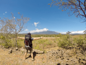 El Volcán Barú a lo lejos. Filosofía mochilera