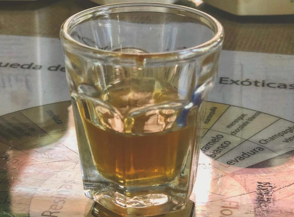 Shot de licor de miel