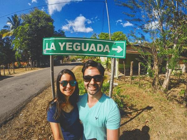 Felicidad al ver la señalización hacia La Yeguada