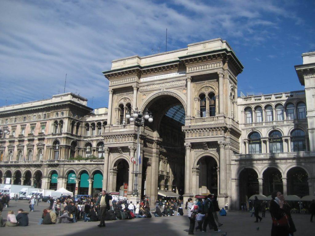 Milan 001